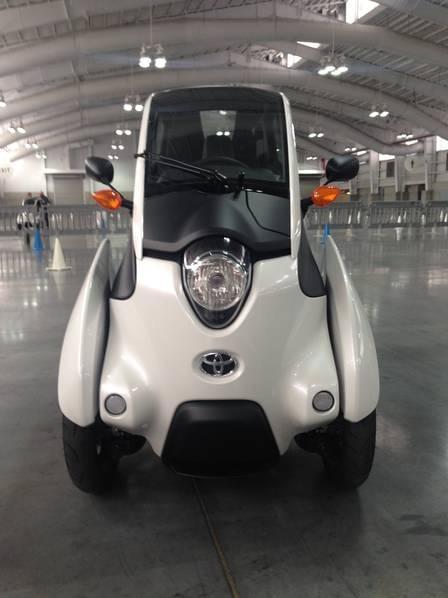 试驾丰田i-Road电动汽车:重量只有300KG的照片 - 4