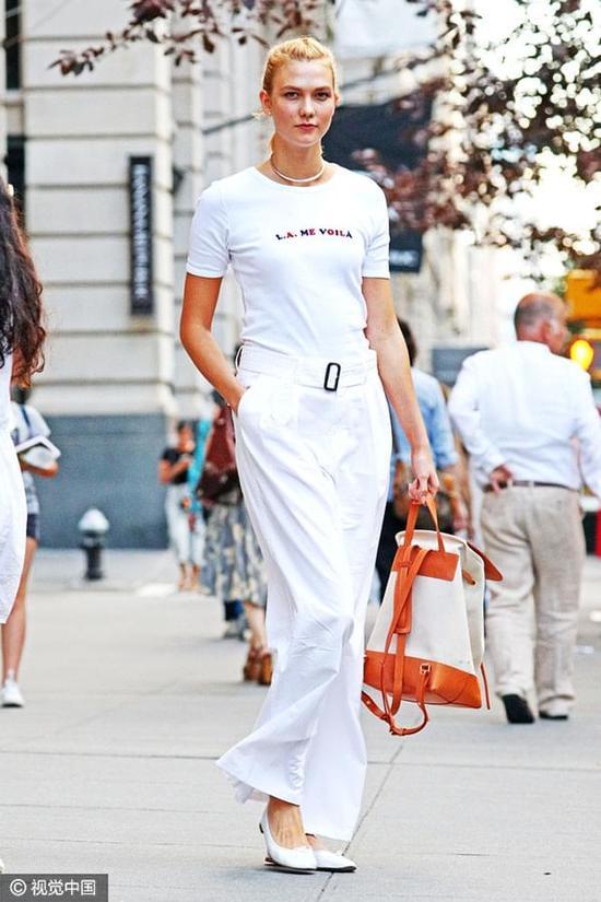 """谁说IT女和时髦""""无缘?其实她们可以穿的很美"""