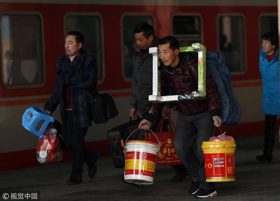 春节大城市变空城:外地人走了全都得瘫痪