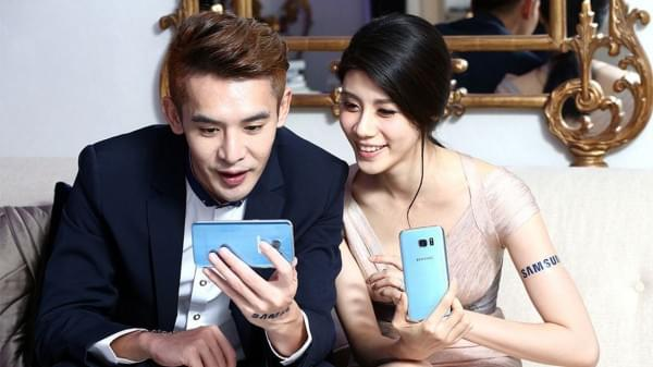 三星为Galaxy S7 Edge推珊瑚蓝版本:将限地区发售的照片 - 4