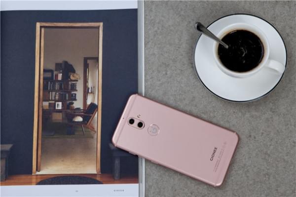 双摄柔光自拍很安全:金立S9正式发布 售价2499元的照片 - 5