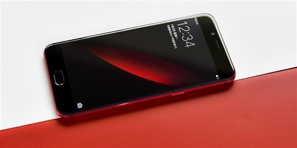 最新调查:OPPO R9s成为中国线下最卖座手机的照片 - 1