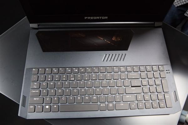 透明触控板+机械键盘 宏碁超薄i7游戏本Predator Triton 700发布的照片 - 3