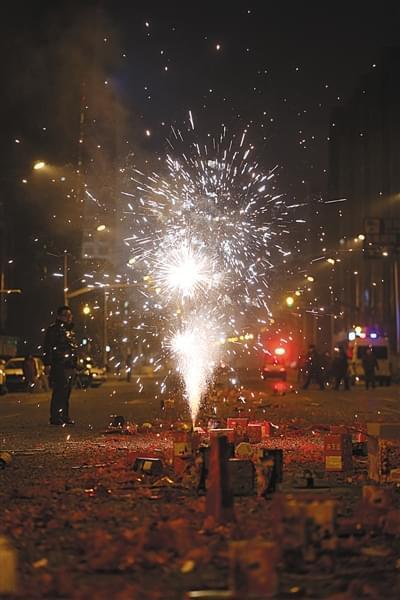因除夕夜放花炮 京津冀10城市重度以上污染