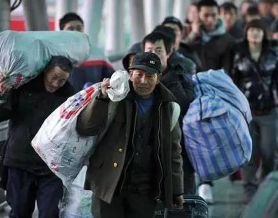 中国元素都是时尚发源地啊 春运大厅藏着这么多野心家