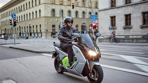 宝马全新电动摩托上市:续航获大幅提升的照片 - 4
