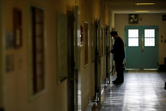日本疑犯逃狱近2小时未被发现:警察嫌烦关闭警报器