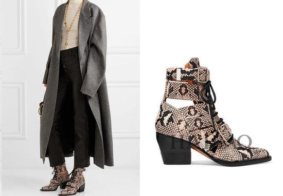 蔻依 (Chloe) 挖剪仿蛇纹皮革踝靴:$1,572