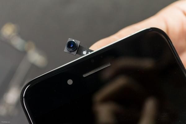 2675mAh容量电池:iPhone 7 Plus拆解视频的照片 - 16