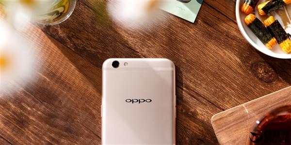 最火国产手机升级 OPPO R11曝光:双摄像头的照片 - 1