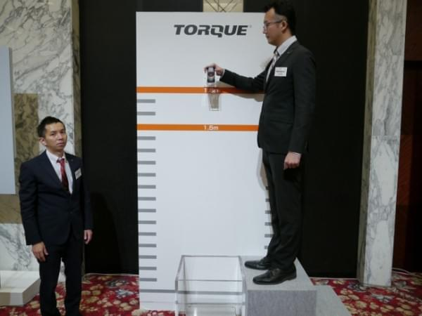 1.8米随你摔 京瓷推出最坚固的翻盖手机TORQUE X01的照片 - 11