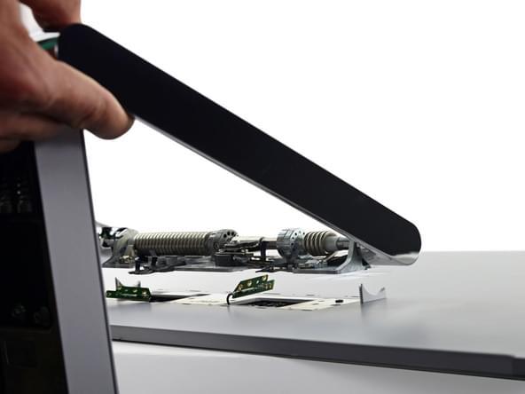 Surface Studio拆解:内部有ARM处理器 可轻松更换硬盘的照片 - 38