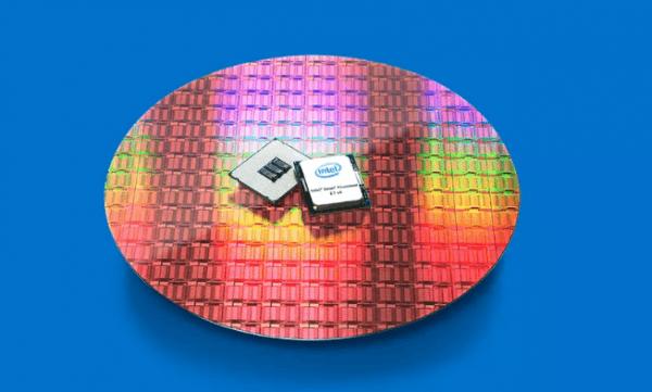 英特尔顶级E7-8894 v4处理器价格接近9000美元的照片