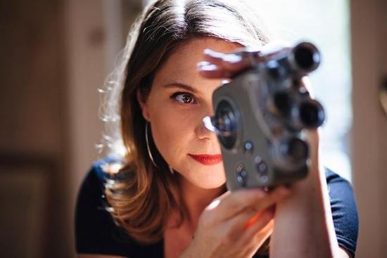 电影美女爱上我_瑞典情色电影导演爱蕊卡:我只拍女人喜欢看的