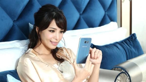 珊瑚蓝限定版Galaxy S7 Edge本周开始发售的照片 - 3