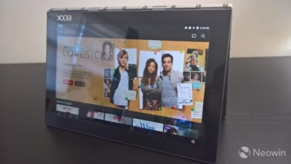 Lenovo Yoga Book笔记本评测:独特的2合1笔记本的照片 - 4