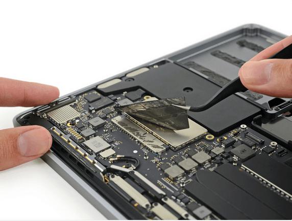 13英寸入门级新MacBook Pro拆解 很难修复的照片 - 23