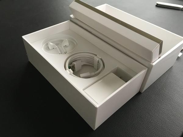 Oppo R9S开箱上手:颜值升级+IMX398的照片 - 8