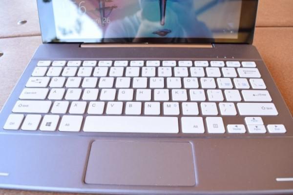 微软对低价笔记本电脑降低Windows 10许可证费用的照片