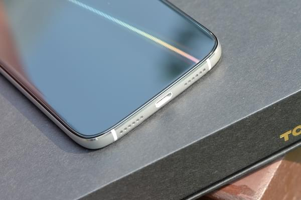 TCL 580图赏:精致优雅的轻商务手机的照片 - 8