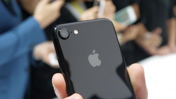 iPhone 7对决Galaxy S7:配置三星好 体验苹果好的照片 - 1