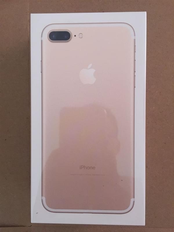 首批iPhone 7到货开箱图:玫瑰金和黑色成为主流的照片 - 3