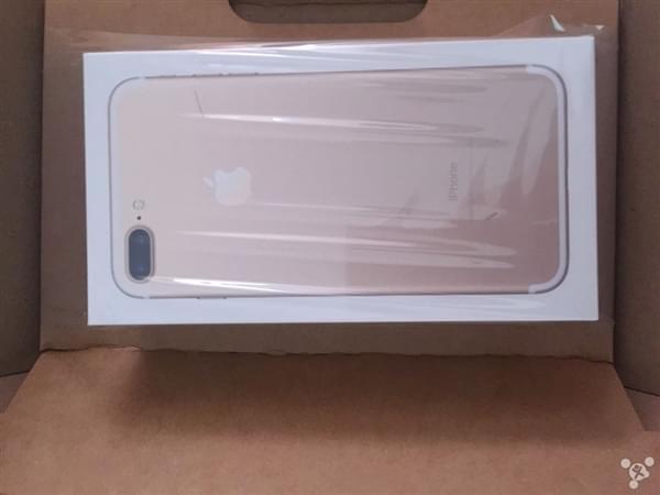 首批iPhone 7到货开箱图:玫瑰金和黑色成为主流的照片 - 2