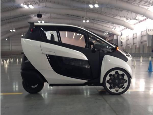 试驾丰田i-Road电动汽车:重量只有300KG的照片 - 3