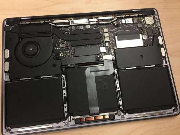 无Touch Bar版全新MacBook Pro拆解:SSD可更换的照片 - 10