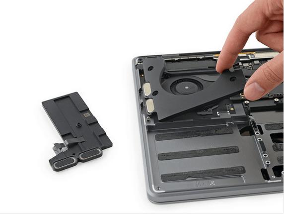 13英寸入门级新MacBook Pro拆解 很难修复的照片 - 29