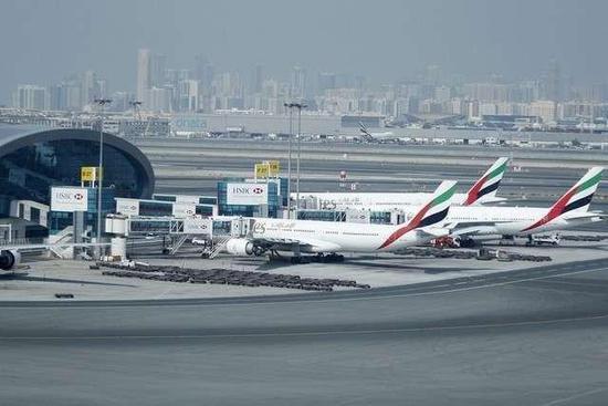 阿联酋航空集团利润暴跌70%