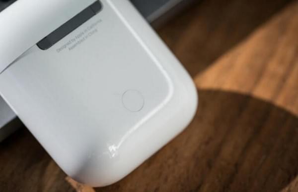 苹果AirPods无线耳机很不错 但被Siri拖了后腿?的照片 - 5