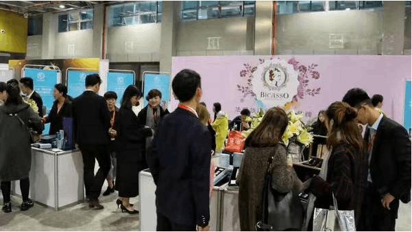 2017广州美博会聚焦纹绣、名颜国际纹饰获得追捧!