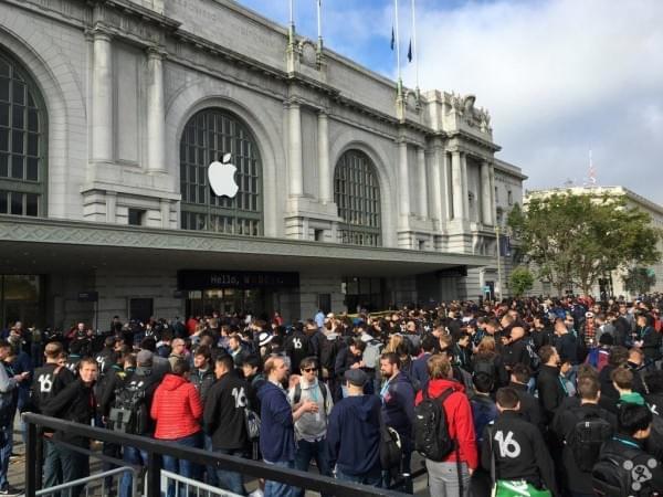 回顾苹果2016年的1-12月:值得铭记的一年的照片 - 4