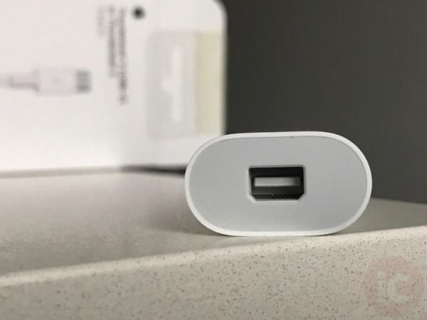 苹果 Thunderbolt 3-2 转换器开箱上手的照片 - 4