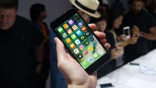 iPhone 7对决Galaxy S7:配置三星好 体验苹果好的照片 - 3