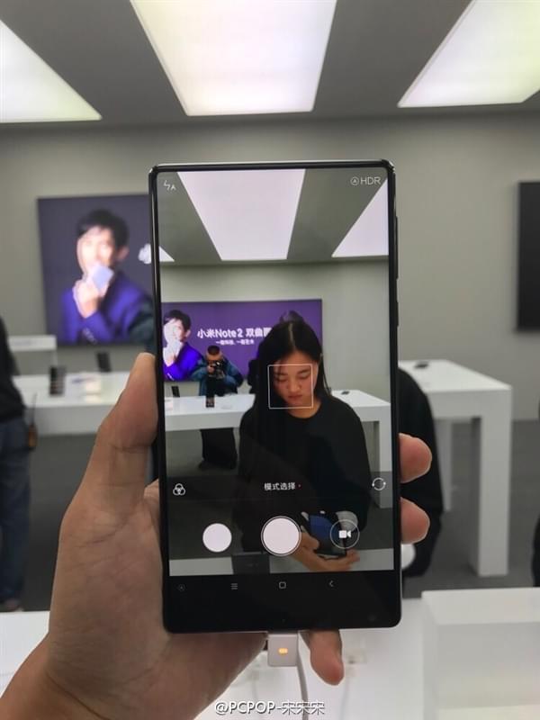小米MIX全面屏手机真机现场图赏:3499元起售的照片 - 5