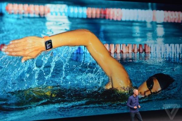 苹果发布Apple Watch SERIES 2 可实现50米防水的照片 - 1