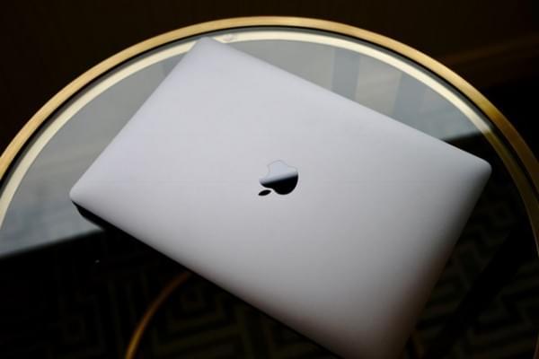 全新MacBook Pro评测:Touch Bar是亮点 但需要习惯的照片 - 1
