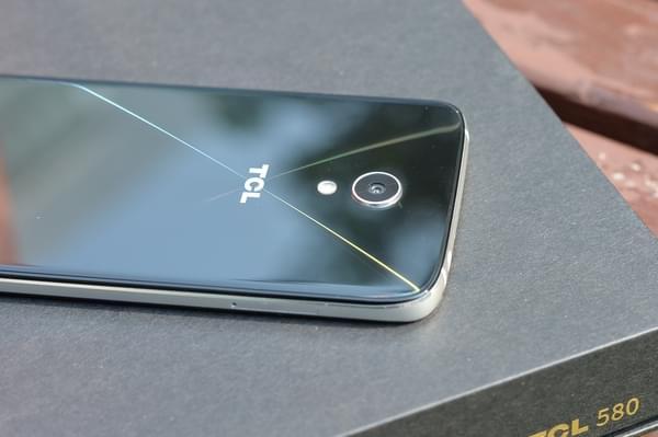 TCL 580图赏:精致优雅的轻商务手机的照片 - 9