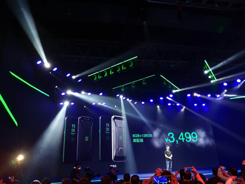 小米投资的黑鲨游戏手机发布 售价2999元起的照片 - 2