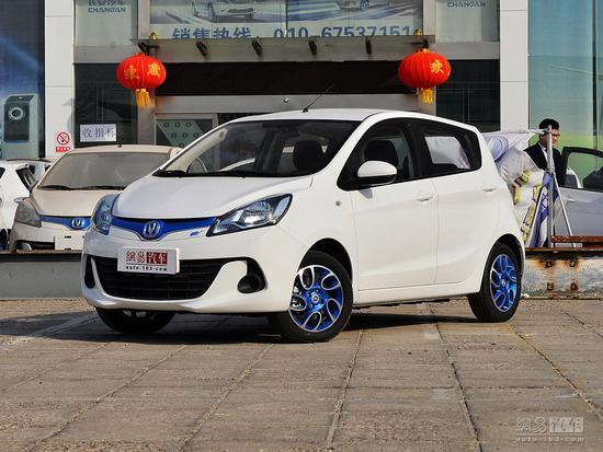 综合续航251km 奔奔EV260售12.38万元起(草稿)