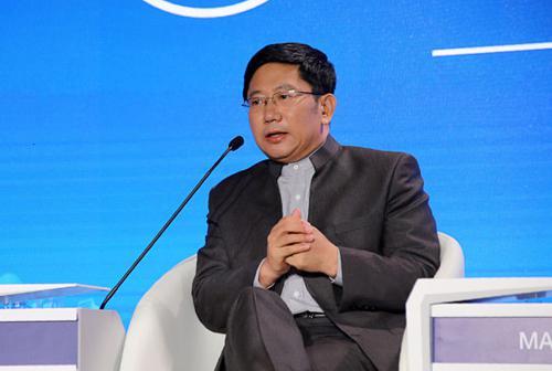 徐井宏宣布卸任清华控股董事长 龙大伟接任