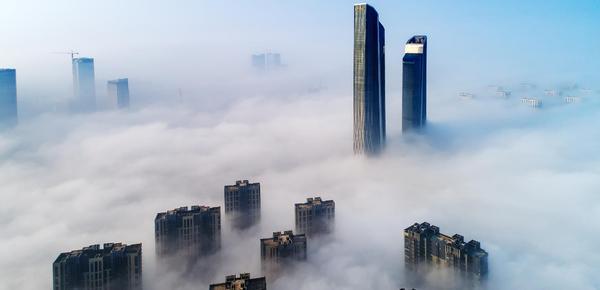 南京双子楼矗立在云海 如临梦境